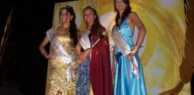 BELLEZAS. Reina Nacional y Princesas.